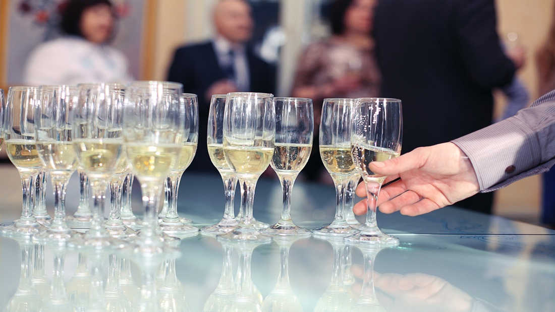 How to hold a corporate wine function