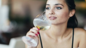tips to using your wine glasses right