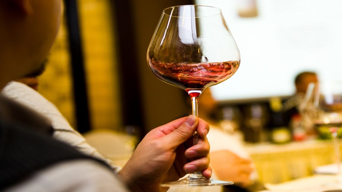 how to taste wine like a pro