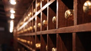 tips to light your wine cellar the right way