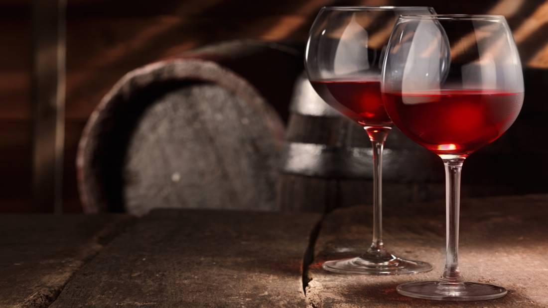why oak is important in wine making